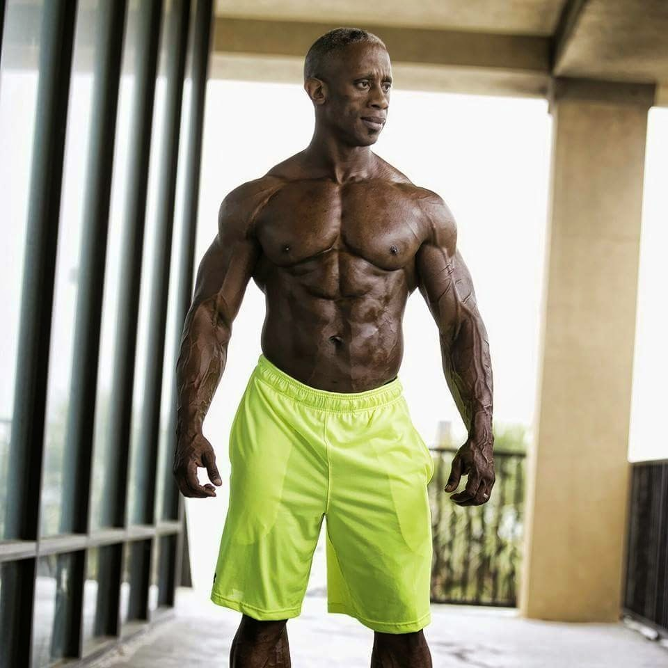 Personal Trainer Houston, Texas - Paris Pippillion